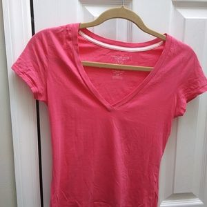 American Eagle basic pink t-shirt